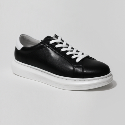 White Point Black Sneakers