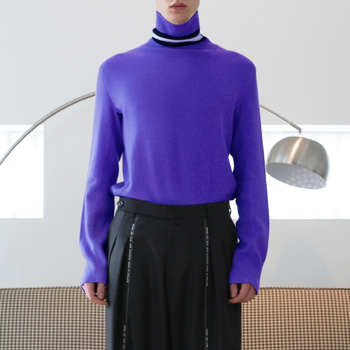 Purple Cashmere Black & White Point Line Turtleneck